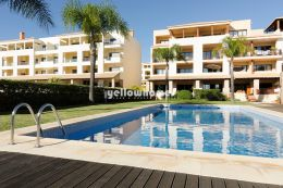 Spacious 2 bed and 2 bath apartment with communal pool...